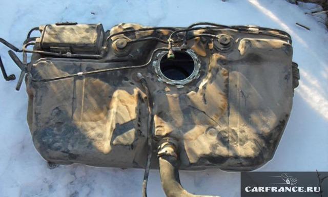 ВАЗ 2115: объем бака, сколько бензина помещается в топливный бак?