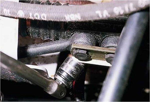 Замена рулевой рейки ВАЗ 2114 пошагово своими руками: инструкция
