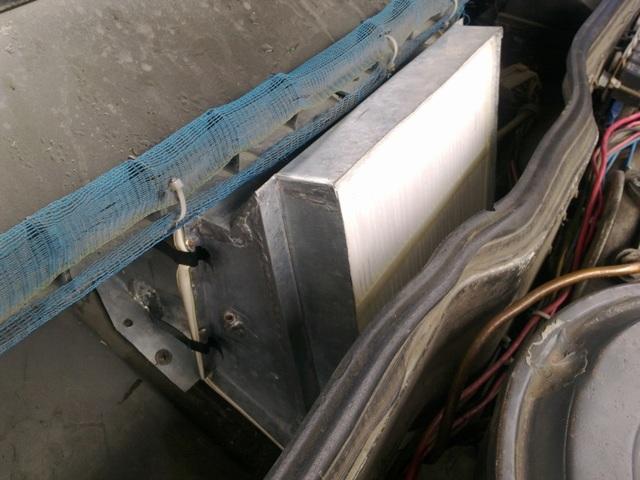 Салонный фильтр ВАЗ 2115: где находится и как его поменять?