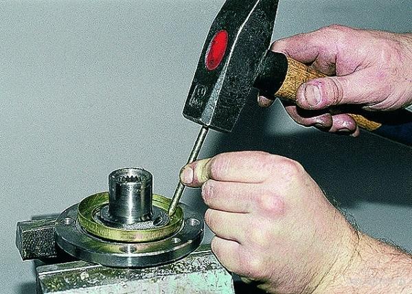 Замена переднего ступичного подшипника ВАЗ 2109: пошаговая инструкция