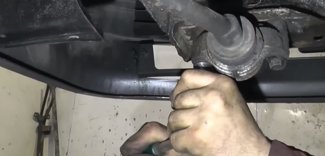 Замена сцепления ВАЗ 2114 без снятия коробки: видео инструкция