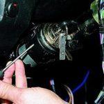 Особенности замены и монтажа катушки зажигания Нива Шевроле: видеоинструкция
