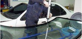Замена лобового стекла на Ладе Приора своими руками: как сделать пошагово?