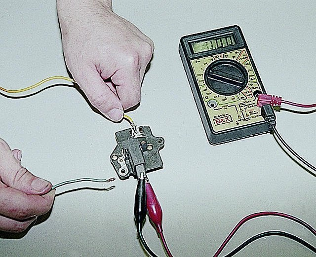 Трехуровневый регулятор напряжения ВАЗ-2107: характеристики и виды