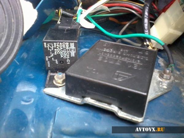 Моргает лампочка зарядки аккумулятора ВАЗ-2106: причины, ремонт