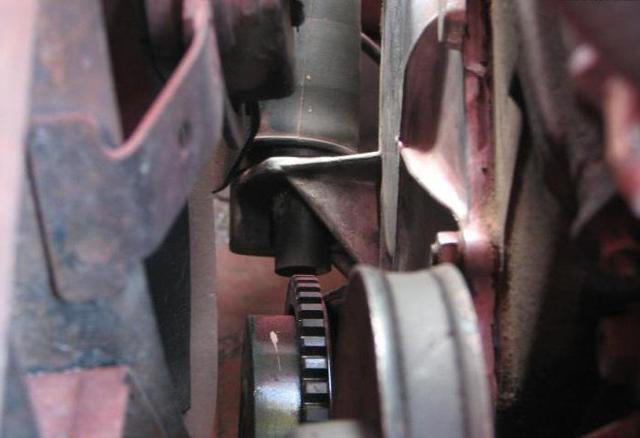 Датчик коленвала Лада Приора 8 и 16 клапанов: где находится, неисправности