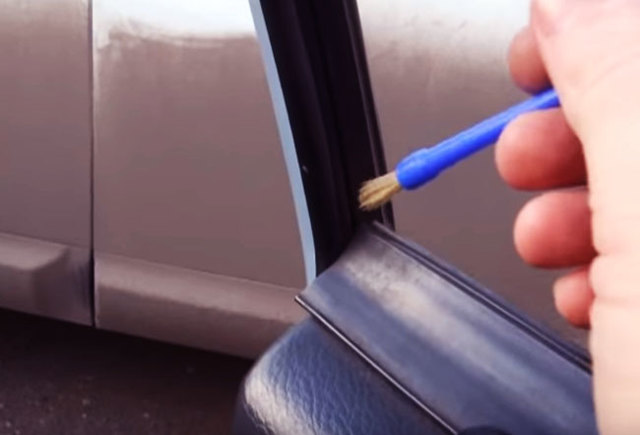 Не работает стеклоподъемник Лада Приора и щелкает: причины, ремонт