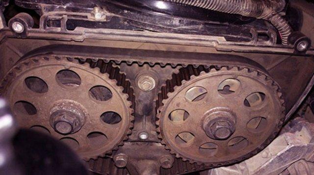 Замена помпы Лады Приора 8 и 16 клапанов своими руками