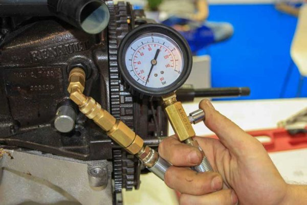 Пропало давление масла ВАЗ-2106: причины, что делать?