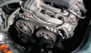 Как подтянуть ремень генератора на Ладе Приора 8 и 16 клапанов: инструкция