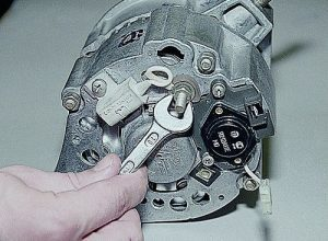 Как разобрать генератор ВАЗ-2107 (инжектор, карбюратор): пошаговая видеоинструкция