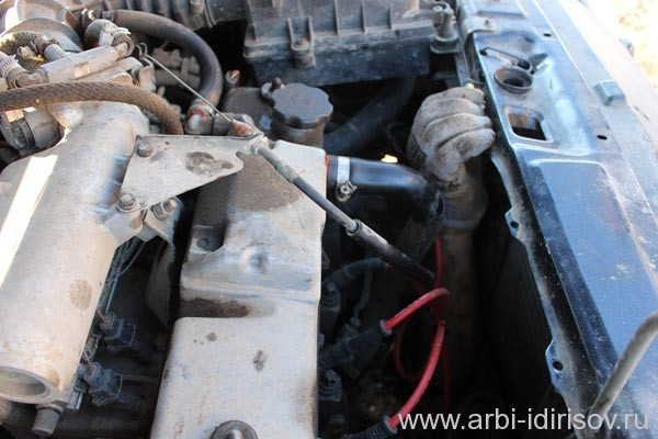 Как открыть капот на ВАЗ-2114: пошаговая инструкция