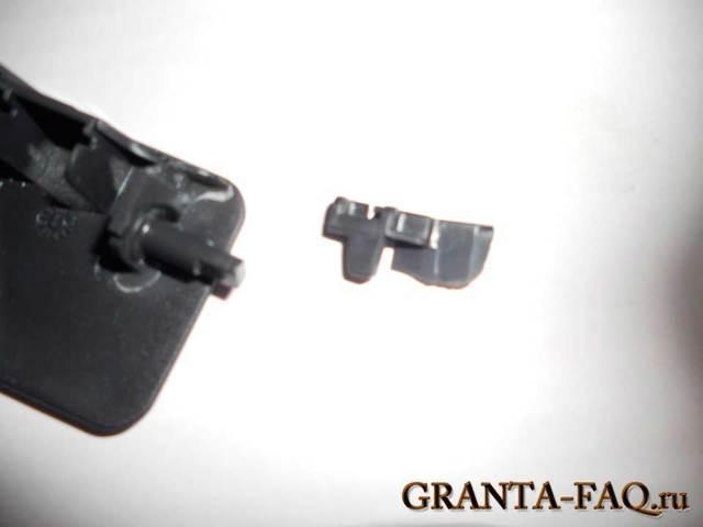 Как снять бардачок Лады Гранта своими руками: видеоинструкция