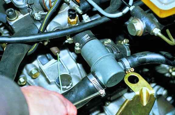 Замена патрубков системы охлаждения ВАЗ 2114: схема и пошаговая инструкция