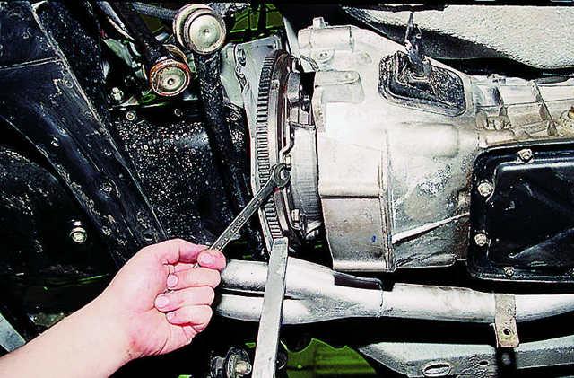 Замена сцепления ВАЗ-2107 своими руками: пошаговая видеоинструкция