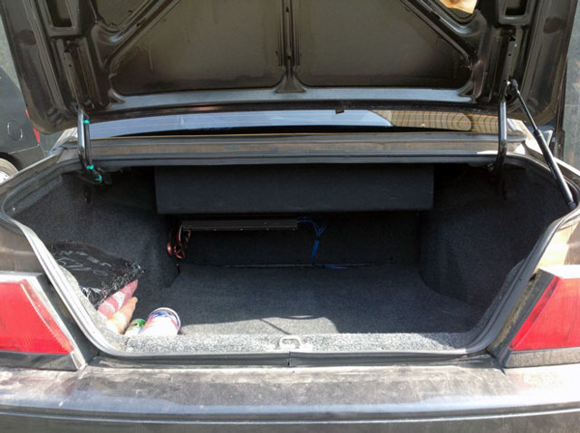 Объем багажника ВАЗ-2112 в литрах при сложенных и разложенных сиденьях