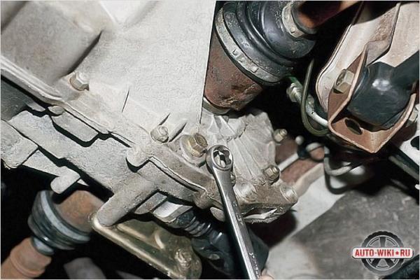 Замена сцепления ВАЗ 2109 без снятия коробки: видео инструкция