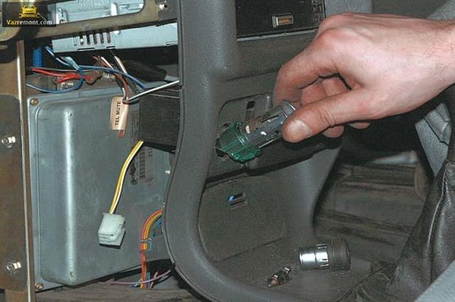 Не работает прикуриватель ВАЗ 2115: причины и что делать?