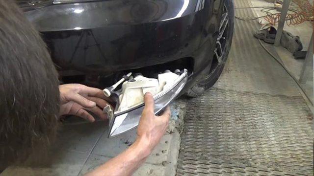 Как снять передние или задние противотуманки (противотуманные фары): видео