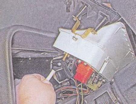 Как снять приборную панель на ВАЗ-2107 своими руками: пошаговая видеоинструкция